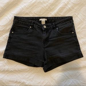 H&M Women's Black Shorts Sz 4